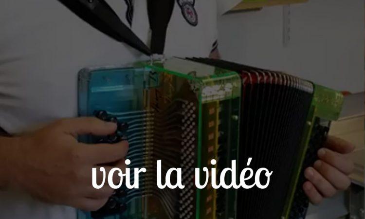 Video accordeon Snooopi Dog 21 touches main droite